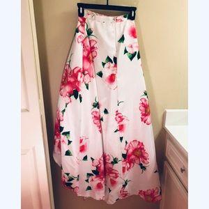 Skirts - White floral skirt.